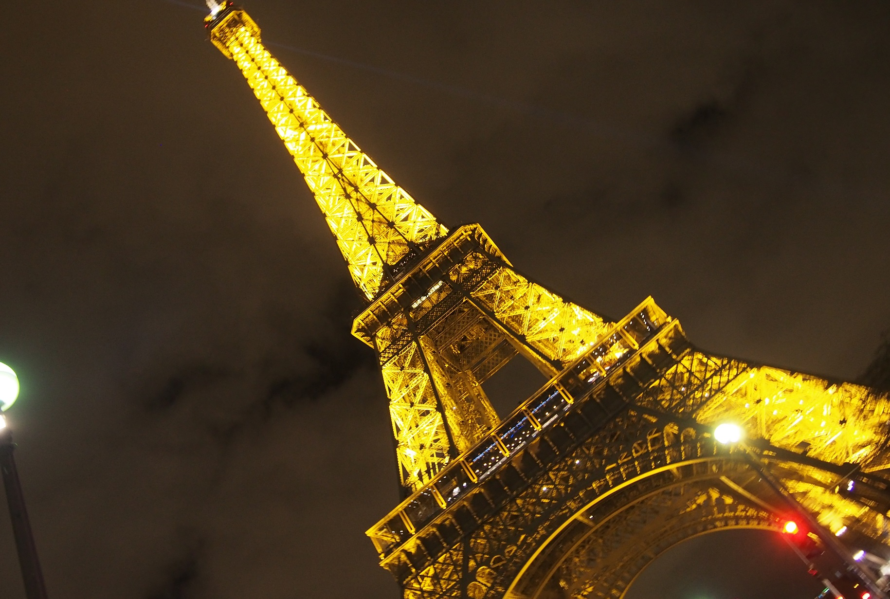夜も綺麗な街並みを楽しもう!パリの夜におすすめ観光地