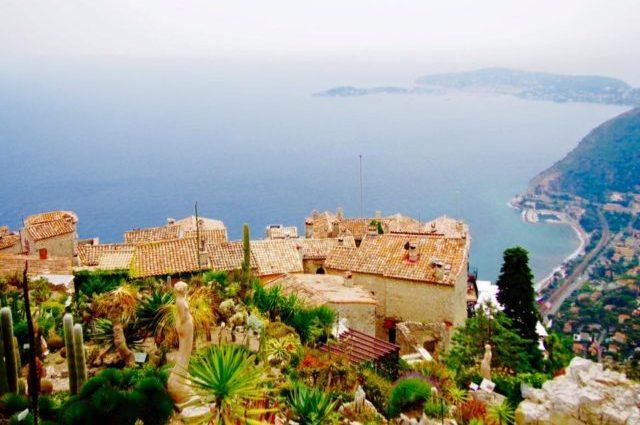 南フランスの絶景が広がる美しい村エズ