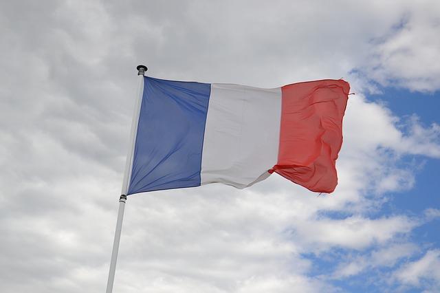 フランスWカップ優勝おめでとう!マクロン大統領の写真が話題に