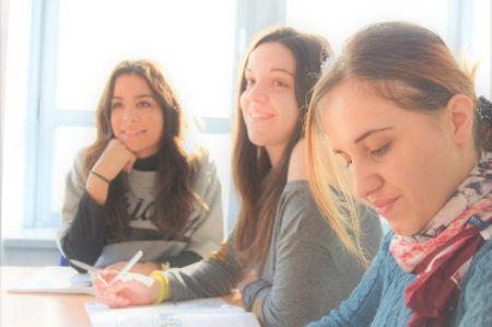 フランスの移民向け語学学校について!